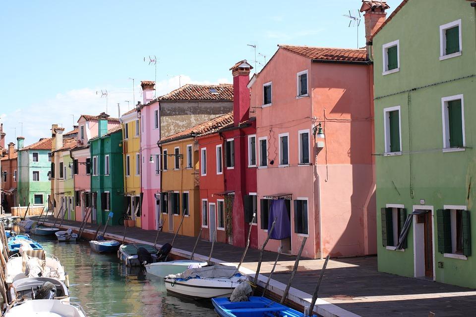Immagine Regione Veneto - Bandi aperti alle imprese del settore turismo: innovazione digitale, adeguamento strutture e aggregazioni di imprese